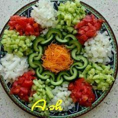 تزیین سالاد شیرازی