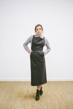 POSTADO!  LOOK 5 -  catalogo - macacão de lã midi - camisa com detalhes no ombro em algodão