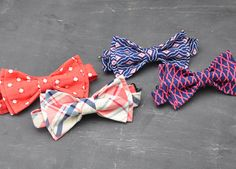Mens+PreTied+Coral+and+Navy+Bow+Tie+by+PaigeGrayson+on+Etsy,+$26.00