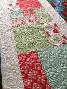 Quilted holiday runner at J-Quilts blog (UK)