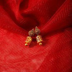 Gold Jhumka Earrings, Jewelry Design Earrings, Gold Earrings Designs, Earings Gold, Gold Designs, Gold Beads, Necklace Designs, Diamond Earrings, Gold Necklace