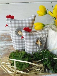 Lütt und Weithin Produkte des Verkäufers Betty HOME Flercz - Farzaneh H. Chicken Crafts, Chicken Art, Home Crafts, Diy And Crafts, Diy Ostern, Chickens And Roosters, Summer Crafts, Creative Crafts, Craft Fairs