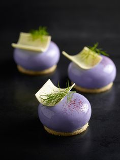White Chocolate violet mousse