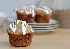 Healthy Coffee Cake Muffins (Click picture for recipe details) No Bake Desserts, Delicious Desserts, Yummy Food, Delicious Dishes, Healthy Food, Healthy Recipes, Cinnamon Roll Muffins, Cinnamon Coffee, Cinnamon Rolls