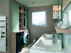 Une meuble de plusieurs profondeurs pour une buanderie dans la salle d'eau - Buanderie