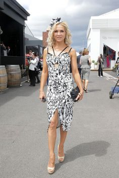 Danielle Spencer Photos - Danielle Spencer poses on Derby Day at Flemington Racecourse on November 2014 in Melbourne, Australia. Celebrity Fashion Looks, Celebrity Style, Russell Crowe, Derby Day, Bold And The Beautiful, Awards, Stylists, Actors, Celebrities
