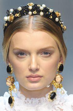 Dolce & Gabbana at Milan Fall 2012 (Details) 5 years ago, looks similar 2018 runway