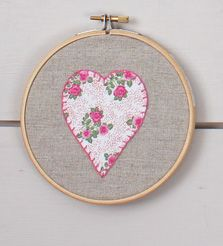 6 Ways to Make Wall Art with Embroidery Hoops #sewing #embroidery #hoopart
