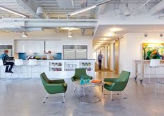 Project - Brightcove Headquarters – Elkus Manfredi Architects. Look at the Hightower, Happy chairs!  #workspacevision #breakrooms