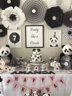 Panda party! Decorations #babypandabears Panda party! Decorations Panda Party Favors, Panda Themed Party, Panda Birthday Party, Bear Party, Birthday Parties, Panda Baby Showers, Panda Decorations, Panda Cakes, Festa Party