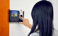 3.5 Inch Color Screen Fingerprint Time Attendance System w/Camera, Multi-Mode ID, ID Capacity 100,000