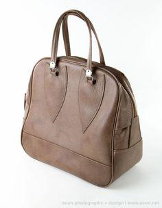 VINTAGE EXTRA LARGE TAUPE VINYL HANDBAG PURSE LUGGAGE OVERNIGHT BAG  #UNKNOWN #ShoulderBag