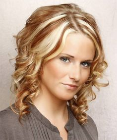 Curly Girls Hairstyle For Medium Hair