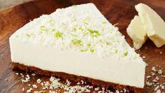 Limetkový cheesecake s bílou čokoládou a karamelovými sušenkami Foto: Cheesecake Recipes, Cheesecakes, Sweet Recipes, Goodies, Food And Drink, Cupcakes, Sweets, Baking, My Favorite Things