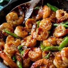 Sally's Baking Addiction Quick & Healthy Dinner: 20 Minute Honey Garlic Shrimp Shrimp Recipes Easy, Fish Recipes, Seafood Recipes, Dinner Recipes, Cooking Recipes, Healthy Recipes, Camarones Teriyaki, Teriyaki Shrimp, Teriyaki Sauce