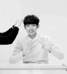 A camera in sight? Aimed at Chanyeol? 3-2-1 there it is! There's his signature V signs. Typical Channie. <3