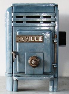 Antique French Stove Co Deville Marianna blue Coal Stove, Stove Oven, Small Fireplace, Stove Fireplace, French Stove, Cast Iron Stove, Antique Stove, Wood Fired Oven, Light My Fire