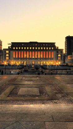 Columbia University, Manhattan, New York, United States .....rh #businessuniveristy