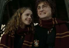 Find images and videos about harry potter, hermione granger and harmione on We Heart It - the app to get lost in what you love. Harry James Potter, Harry Potter Tumblr, Harry Potter World, Images Harry Potter, Mundo Harry Potter, Harry Potter Characters, Harry And Hermione, Hermione Granger, Harry Potter Collection