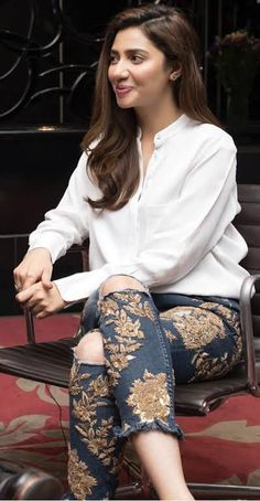 "Hot Pakistani Actresses 🇵🇰, [Apr 21, 2020 at 7:57 PM] Momina Iqbal ""New Slut In Pakistani Industry "" 70s Fashion, Indian Fashion, Fashion Dresses, Classy Fashion, High Fashion, Winter Fashion, Fashion Tips, Wedding Dress Mermaid Lace, Wedding Dresses"