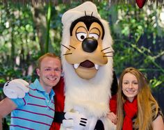 Planning on visiting Walt Disney World at Christmas? Check out these great photo tips for beautiful pictures- Disney Tourist Blog
