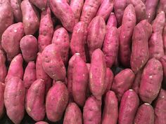 How to Grow Sweet Potatoes How to Grow Sweet Potatoes: Until recently sweet potatoes were still seen as quite an exotic food in the UK. Sweet Potato Juice, Sweet Potato Leaves, Sweet Potato Benefits, Sweet Potato Recipes, Tempura Sushi, Healthy Foods To Eat, Healthy Recipes, Diabetic Foods, Foods For Clear Skin