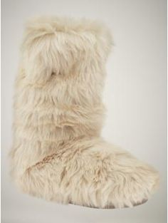Gap Fur Slipper Boots. I want these for Christmas!
