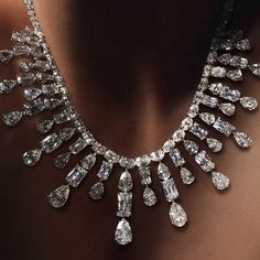 "30 Likes, 2 Comments - Simran Shroff (@sapphiresarepink) on Instagram: ""Capture the Brilliance of a starry night with this #ashokacut Diamond Neckpiece! @ashokadiamond…"""