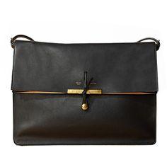 handbag by Celine. handbag by Celine. Looks Street Style, Looks Style, Look Fashion, Fashion Bags, Fashion Shoes, Luxury Fashion, Girl Fashion, My Bags, Purses And Bags