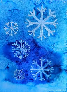 Winter Watercolor Resist Art with Free Printable Snowflake Template. Winter art for kids! Winter Art Projects, Winter Crafts For Kids, School Art Projects, Winter Kids, Art For Kids, Christmas Art Projects, Kids Crafts, Kids Fun, Toddler Crafts