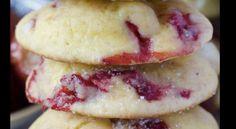 La ricetta dei biscotti sablè ripieni con marmellata di ciliegie, una delle ricette di biscotti più facili, da provare subito