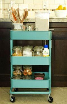 smart-ways-to-use-ikea-raskog-cart-for-home-storage-24