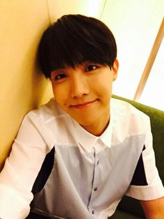 send help i'm becoming j-hope biased  i gotta stay loyal to taehyung but  DO U SEE THIS PRECIOUS RAY OF SUNSHINE I-