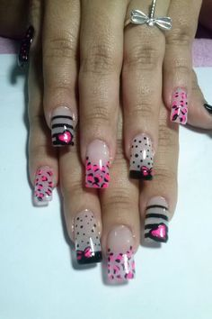 pink and black nail art Long Nail Art, Cute Nail Art, Gel Nail Art, Cute Nails, Pretty Nails, Acrylic Nails, Nancy Nails, Valentine Nail Art, Nail Games