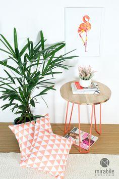 O Poster Flamingo by Studio Mirabile é o artigo ideal para quem busca aprimorar a decoração da parede sem gastar muito. Impresso em papel especial de alta gramatura, alta resolução e com design geométrico super descolado, é um objeto decorativo que vai trazer descontração, leveza e modernidade para a decoração da sua parede. Mais detalhes em http://www.mirabiledecor.com.br/decoracao-parede/poster/poster-flamingo-by-studio-mirabile-29-7-x-42-0-cm00217aaa.html.