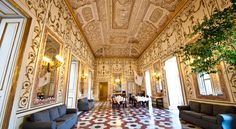 Decumani Hotel De Charme Napoli Located in the heart of Naples' historic centre, Decumani Hotel De Charme is set in a historic building. All rooms are air-conditioned and feature antique furniture, free Wi-Fi and flat-screen TVs with Sky channels.