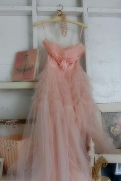 pink dress pretty-in-pink Vintage Prom, Vintage Mode, Pretty In Pink, Perfect Pink, Vestidos Vintage, Vintage Outfits, Vintage Fashion, Pink Vintage Dresses, Vintage Couture