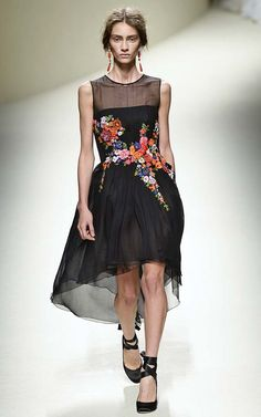 Alberta Ferretti Spring 2014... this reminds me of my favorite piece of clothing ever from a TV show... a dress worn by Lucille Ball on I Love Lucy. love love love this.