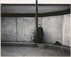 Harry Callahan. 'Eleanor and Barbara' c.1954