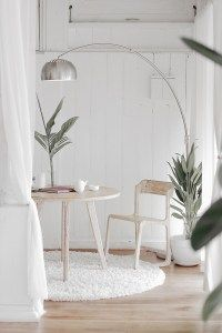 8 Steps First Time Homebuyers Should Take Right Now - The Money Minimalists Wabi Sabi, Home Staging, White Rug, White Wood, Minimalist Decor, Minimalist Lifestyle, Modern Minimalist, Architectural Digest, Interiores Design