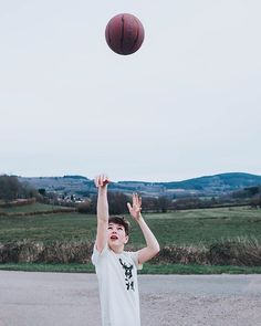My sons absolute favourite game in life at the moment (even before Fortnite for those who know) is basketball! He dreams of becoming a professional later (but told me he has a plan B C and D) and gives himself to it to improve like taking his ball everywhere. This was in my mums holiday house by the road... there is no net! His love for playing was a perfect fit for #whpplay in my view. And I love that he doesnt give up! He isnt so studious otherwise... I always gave up sports and changed a…