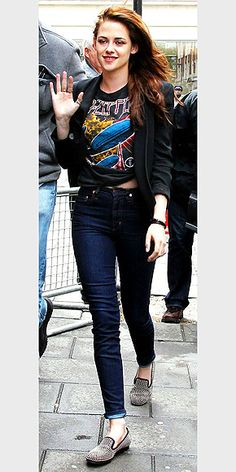 Kristen Stewart. I approve of this outfit.
