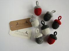 Tutorial fai da te: Come fare ghiande a maglia e uncinetto da appendere via DaWanda.com