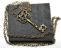 Skeleton Key Necklace in Antique Brass Antique Keys, Vintage Keys, Antique Brass, Vintage Jewelry, Goth Jewelry, Skeleton Key Jewelry, Skeleton Keys, Mommy Jewelry, Old Keys