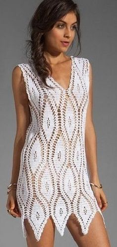 Crochet pretty and feminine white dress. Free patterns for crochet white dress Crochet Beach Dress, Black Crochet Dress, Crochet Skirts, Crochet Cardigan, Crochet Clothes, Knit Dress, Crochet Top, Dress Beach, Cardigan Pattern
