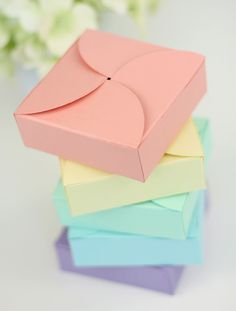 """Easy DIY Petal Boxes tutorial (using 5"""" x 5"""" scored at 1"""" on all sides and 4 3"""" circles)  (1 of 2)"""