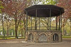 Elisabethpark te Koekelberg. Parc Élisabeth à Koekelberg.