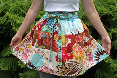 FREE PATTERN: Fabric Lover's Apron (from Maureen Cracknell Handmade)