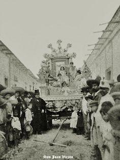 Carro alegorico en San Juan de los Lagos Jalisco Mexico 14