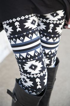 Navy Santa Fe Leggings | White Plum